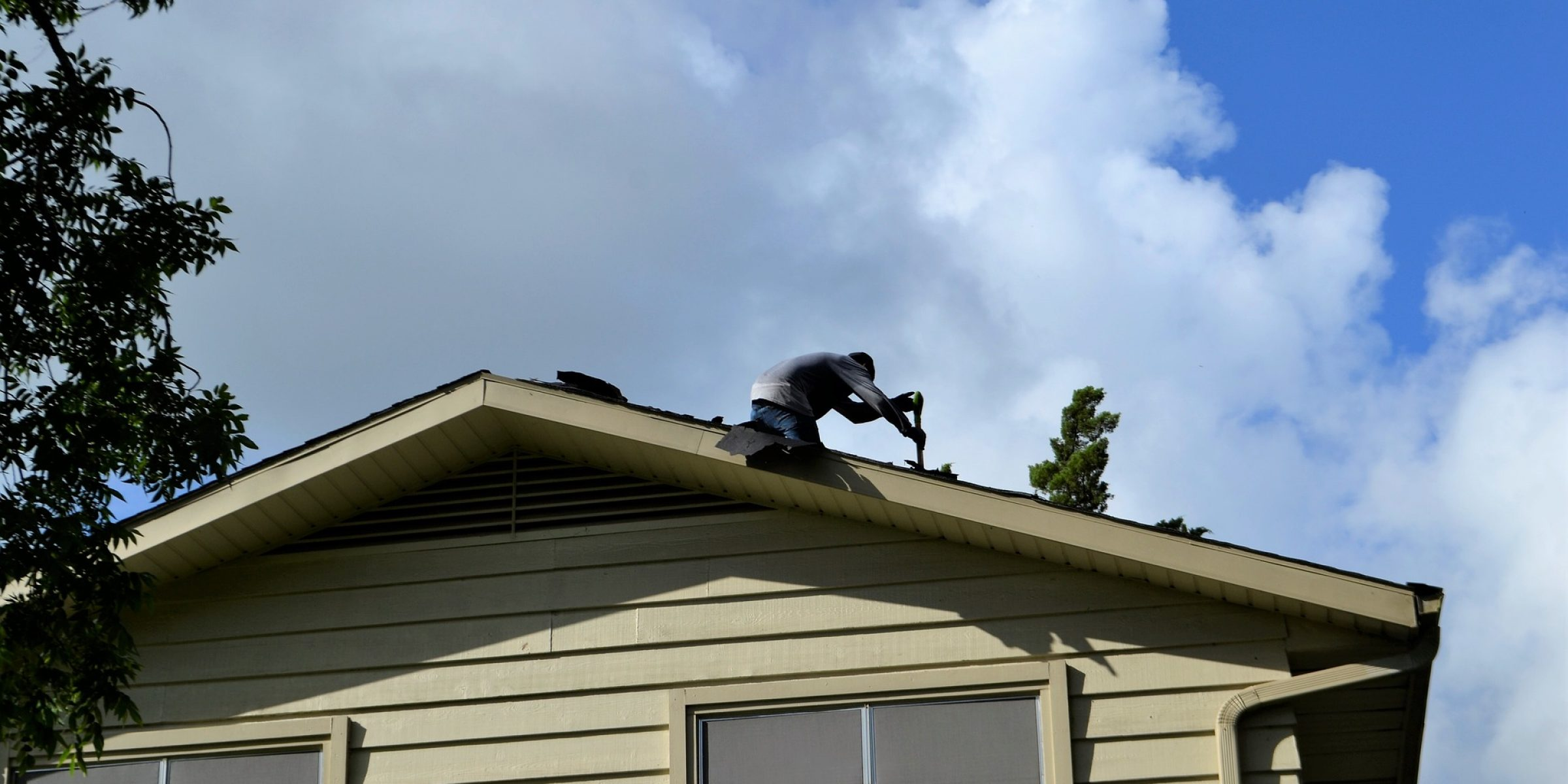 roofing-3755606_1920